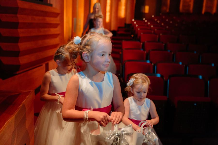 Bruidsfotografie-Zwolle-Theater-De-Spiegel-017