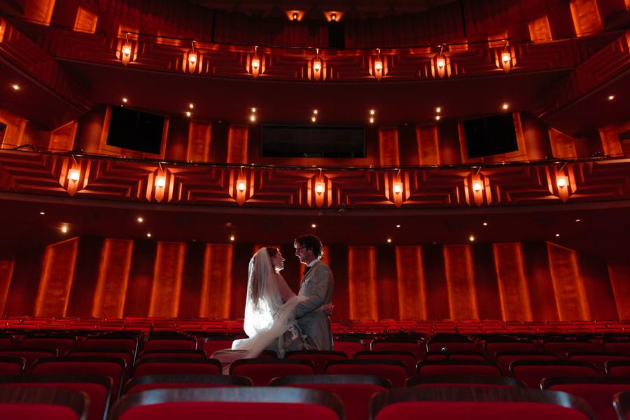Bruidsfotografie-Zwolle-Theater-De-Spiegel-035