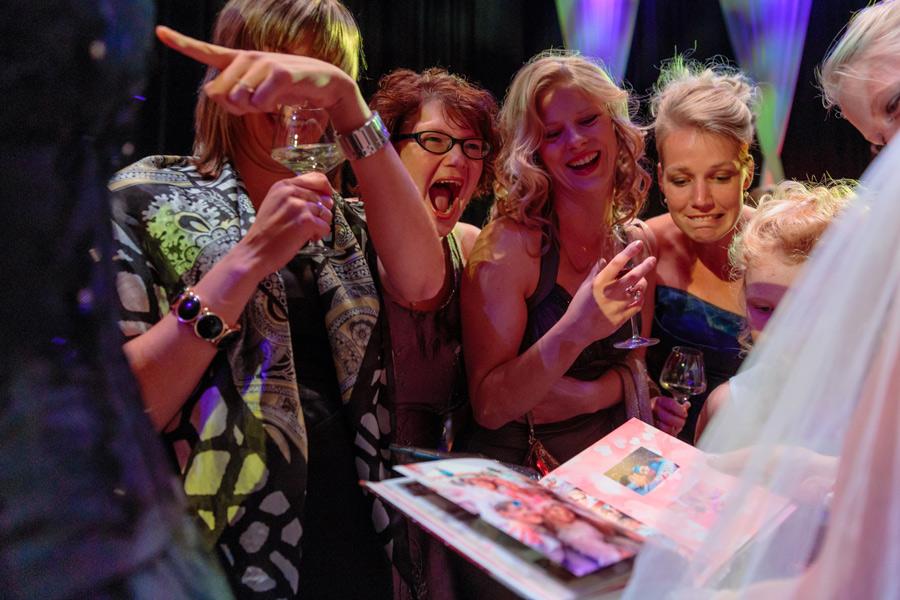 Bruidsfotografie-Zwolle-Theater-De-Spiegel-036