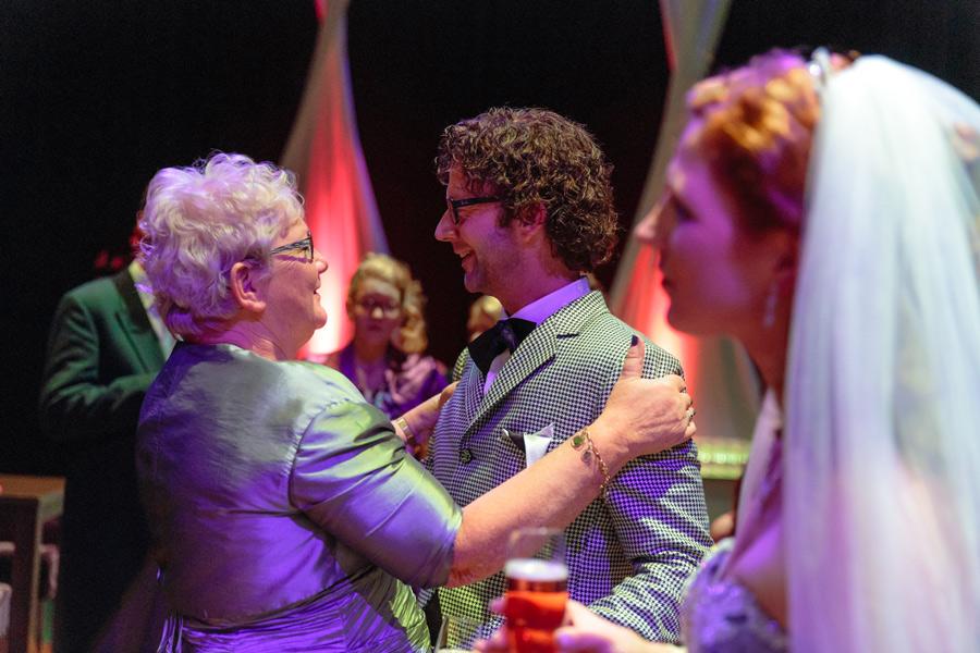 Bruidsfotografie-Zwolle-Theater-De-Spiegel-060